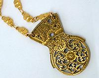 Verge Fusee necklace - 1700's masterpiece and contemporary elegance