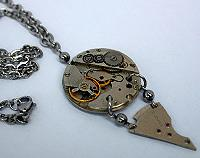 Vintage timepiece pendant 'seventeen jewels' watch jewellery