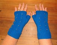 Blue fingerless gloves with freshwater pearls