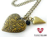 FunkyGlam Locket - Vintage Romantic Hearts